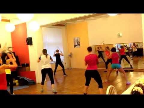 CVIČENÍ NA ZADEK (1. ukázka z 3. Fitness video-treninku) - zpevnění a posilování hýždí a boků