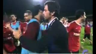 What a shame..!! UAE goalkeeper hit the head of coach Quique Flores