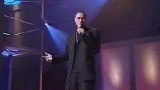 """Cavan Te singing """"Lady Soul"""" by The Temptations"""