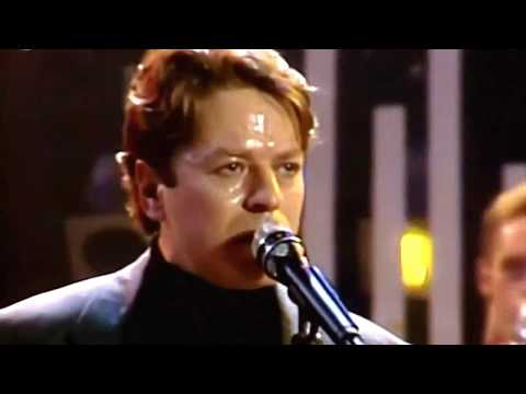 Addicted To Love - Robert Palmer  (HQ/1080p)