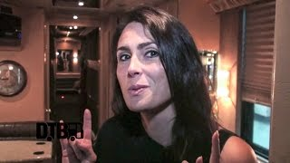 Within Temptation / Sharon den Adel - BUS INVADERS Ep. 722
