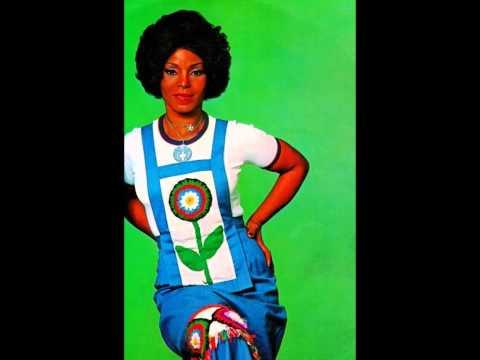 Elza Soares - QUEM É BOM JÁ NASCE FEITO - Lino Roberto-Wilson Medeiros - gravação de 1975