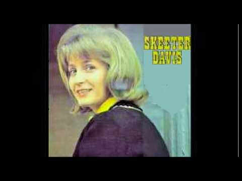 SEND ME THE PILLOW YOU DREAM ON … SINGER, SKEETER DAVIS (1965)
