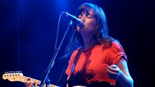 courtney barnett pedestrian at best live at laneway festival melbourne 07 02 2015