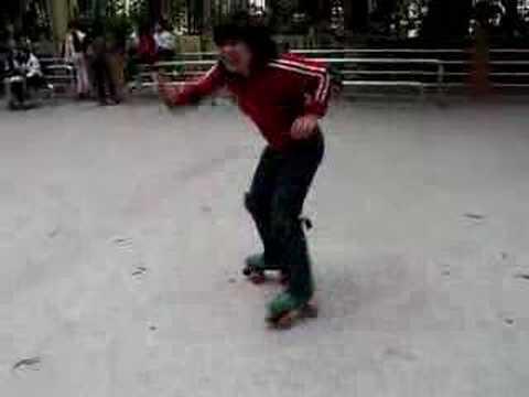 Trưởng phòng Games của CBOSS VN trượt patin