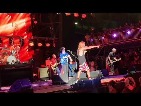 Jodi Stewart - Foo Fighters Cover Queen And It Rocks. WARNING: STRONG LANGUAGE ALERT