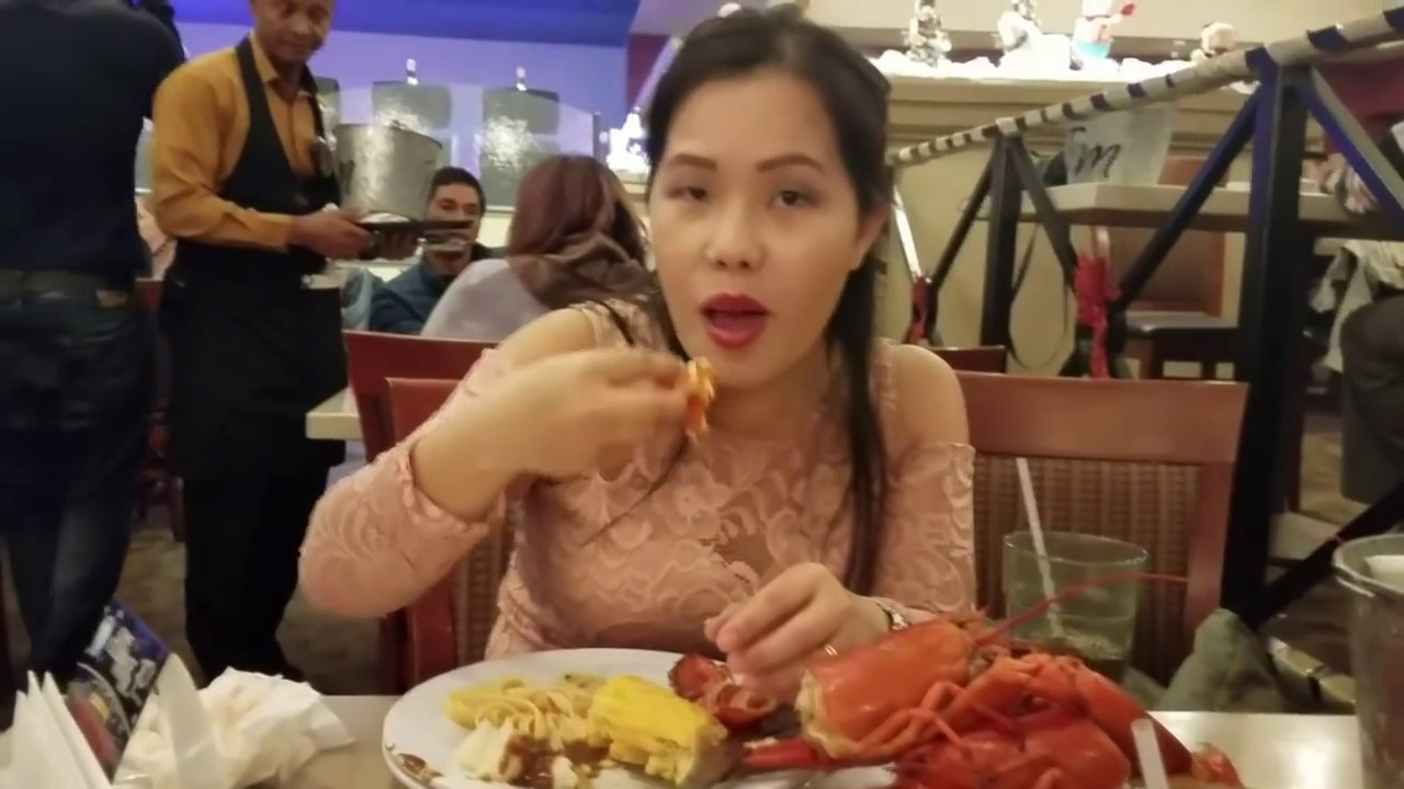 Mus Noj Lobster Buffet At Table Mountain Casino Os YouTube - Table mountain casino buffet menu