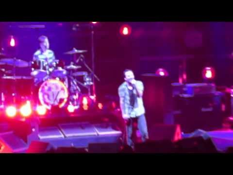 Pearl Jam - Black - Lightning Bolt Tour - Oklahoma City Oklahoma - Chesapeake Arena