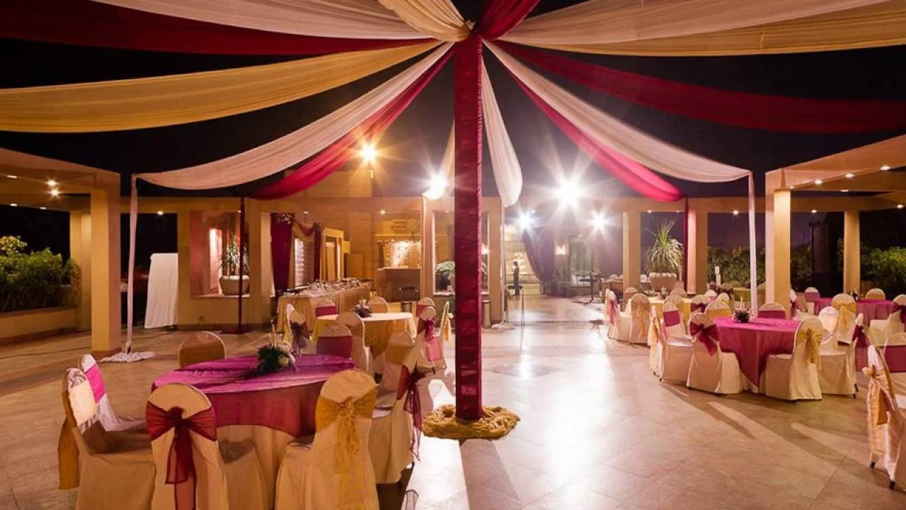 decorating a hall for a wedding sangeet decoration ideas at banquet halls in mumbai 3354