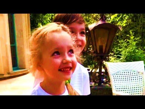 «Папа, не бери пальцы в рот!»: Лиза и Гарри с любовью поздравили Максима Галкина с днём рождения