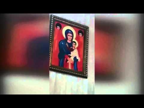 La Vergine Maria Prega Con Un Prete