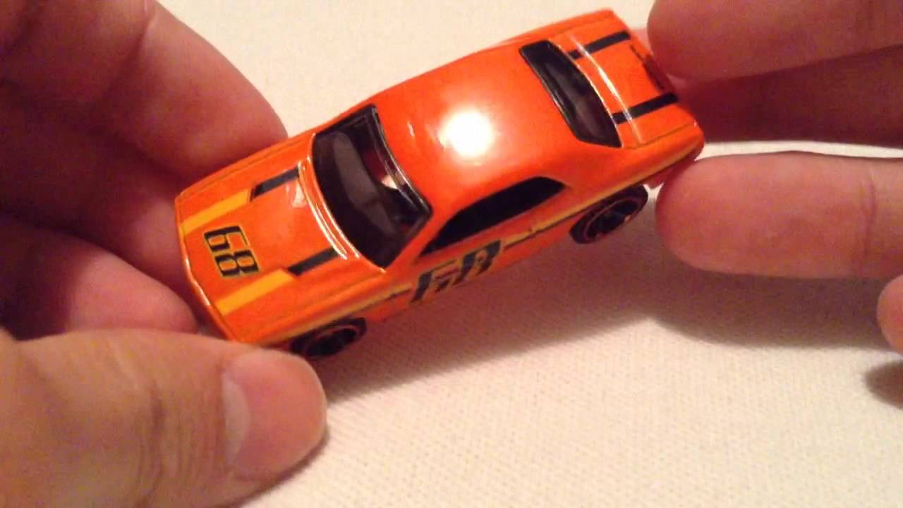 Hot Wheels Dodge Challenger Concept (2015 Muscle Mania)