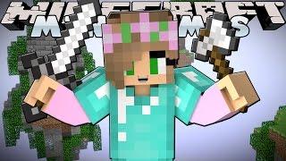 Minecraft Minigames : Skywars - LITTLE KELLY Vs SHARKY!