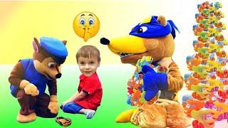 Щенячий патруль научили Жулика делиться игрушками Paw patrul taught Rogue to share toys