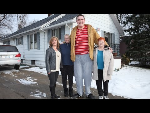 The 7ft 8in Teen Who Can't Stop Growing