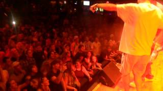R Version pumping up the Crowd for KEVIN GATES (House of Blues)