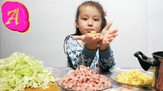 Ну очень вкусный салат из пекинской капусты готовит Леди Настя Well very tasty salad of Chinese cabb