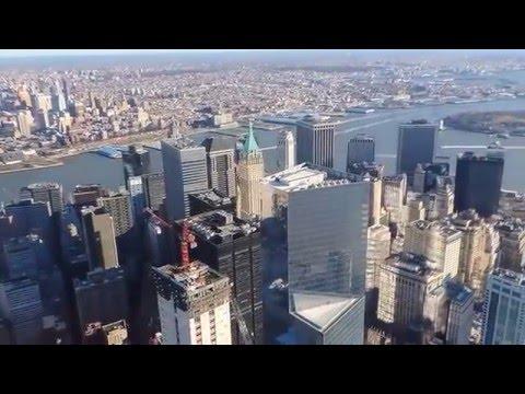 Вид с самой высокой точки Нью-Йорка - небоскрёба Freedom Tower