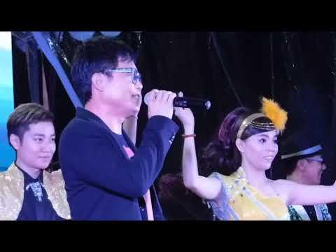 Bukit panjang技能创前程歌台秀全场司仪王雷和陈建彬和刘玲请来一位电视阿哥王玉青🐬