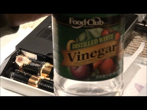 i-use-vinegar-to-clean-alkaline-battery-corrosion
