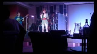 Metro Band (Shiela) - Listen