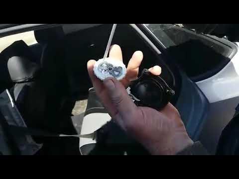 Почему клинит ремень безопасности Polo Sedan