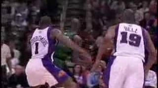 Kevin garnett dunks on amare (feb 22, 2008)