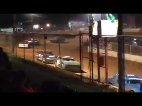 Renegade action at east Lincoln speedway