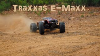 Traxxas E-Maxx Brushless Bashing on 4s [HD]