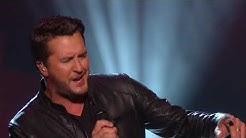 Luke Bryan Performs Lionel Richie Hits at 2017 Kennedy Center Honors