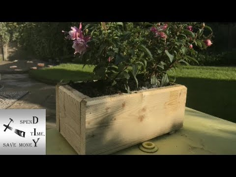 How to make a wooden planter box – Quick and easy DIY woodwork project.