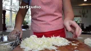 Как шинковать капусту(Как шинковать капусту https://youtu.be/oSt-H8vURG8., 2015-11-28T23:33:01.000Z)