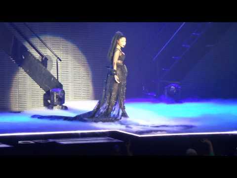 Nicki Minaj - Crying Game (Live Nottingham, UK)