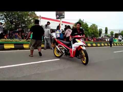 Kecelakaan Pembalap Nasional Road Race 2017