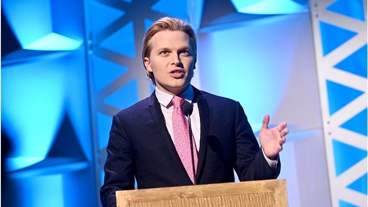 Ronan Farrow says National Enquirer shredded Trump-related documents