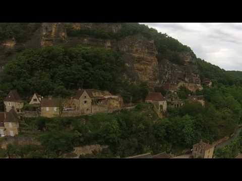 Drone la roque Gageac, Auberge des Platanes, Hotel Restaurant Bar Glacier à la Roque Gageac