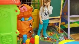 Супер классная Детская Площадка с куклой Nenuco Детское Кафе Doll Nenuco Видео для детей Мелисса Tv