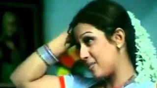 Mallu Anty Masala B grade Movie Scene - MALLU AUNTY NAVEL SLIP