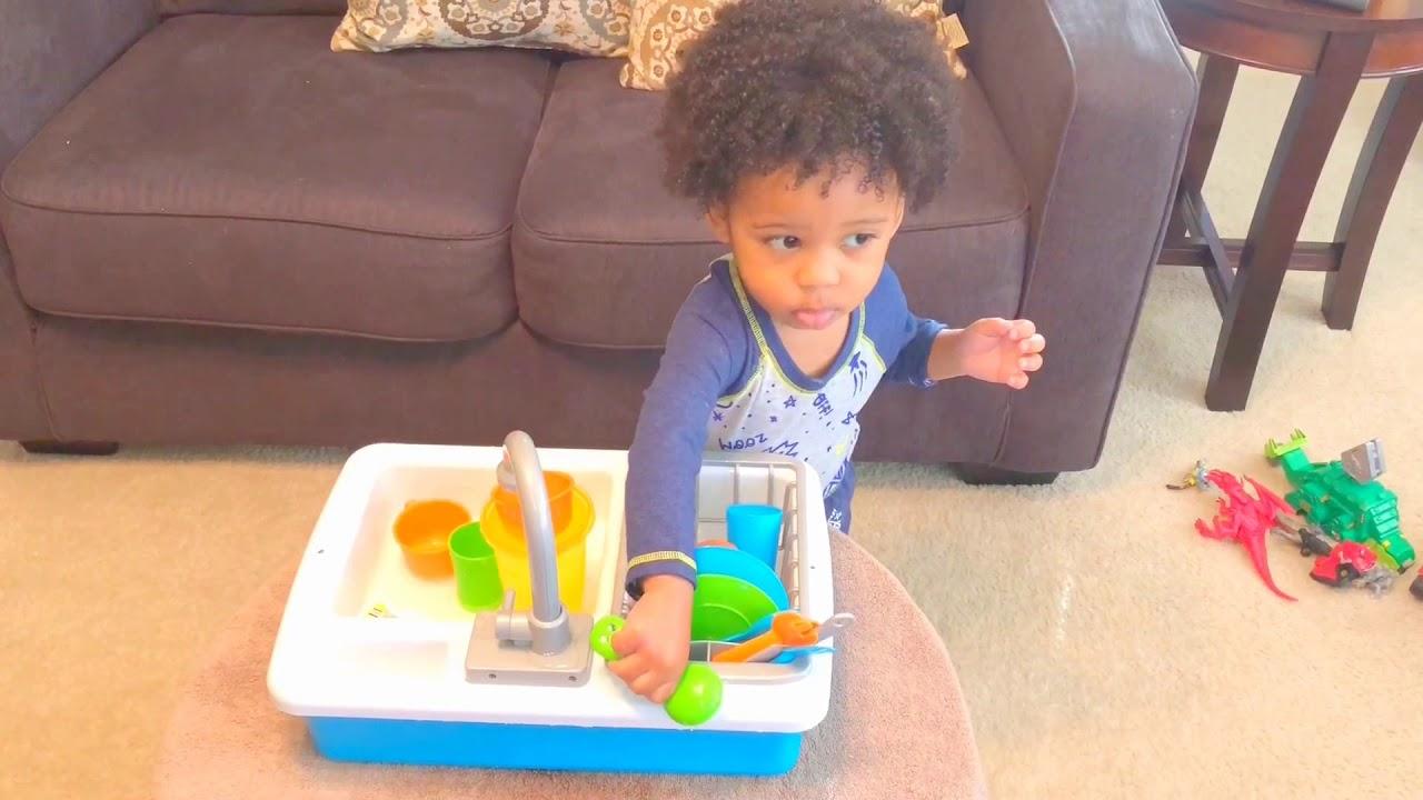Spark toy kitchen sink with running water still worth the hype