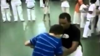 This capoeira teacher has my respect!!