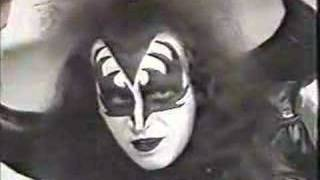 Gene Simmons on the Mike Douglas Show 1974