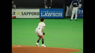 20100612サッポロビールイメージガール・中村果生莉さん始球式 中村果生莉 動画 26