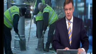 (HQ) Man slips on ice on RTE's Six One News
