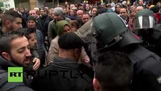 Germany: Protesters attempt to block Salafist demo in Wuppertal