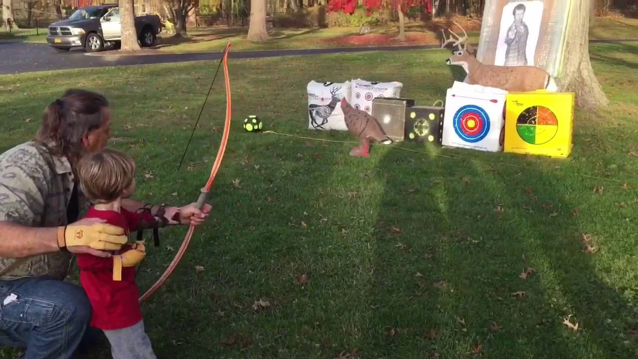 Shooting Vintage Ben Pearson Bows With Family Archery Youtube