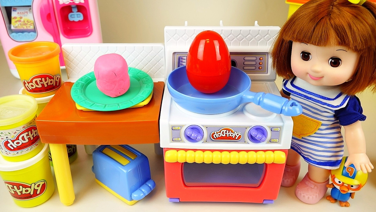 Baby doll and kichen play doh surprise eggs toys doovi for Kitchen set toys r us philippines