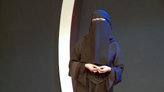 في بيتنا طبيب نفسي | Om Al Khair Hassan | TEDxLIUSanaa