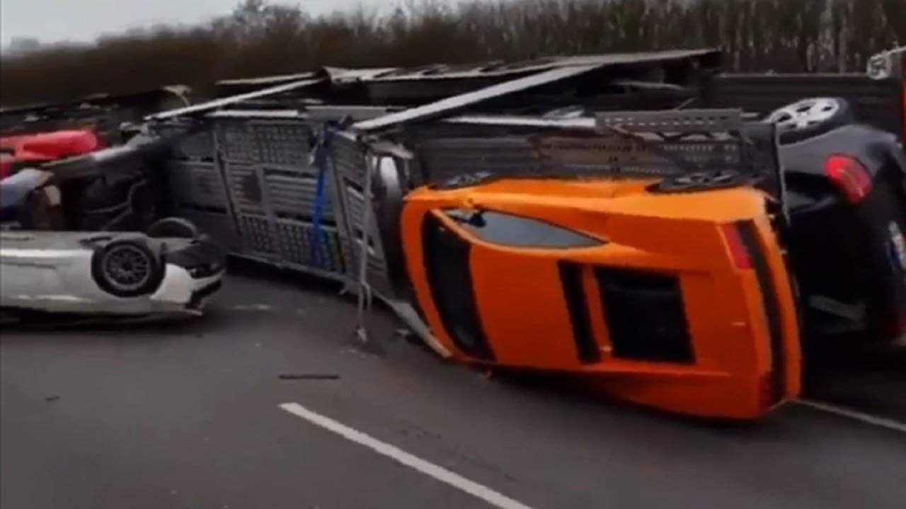 Major Crash On French Highway Lambo Ferrari Mustang Aventador
