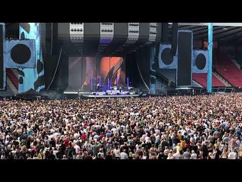 Anne-Marie - 2002 - Ed Sheeran Divide Tour - Hampden Park, Glasgow 01/06/2018