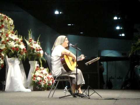 Hermana Glenda en  Guadalupe Radio 87,7 F M